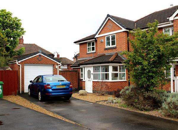 4 Bedrooms Semi Detached House for sale in Carville Road, Blackley
