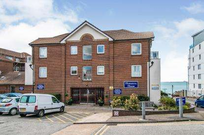 1 Bedroom Retirement Property for sale in Holland Road, Westcliff-On-Sea, Essex