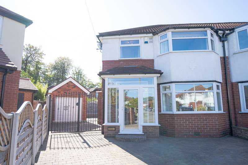 3 Bedrooms House for sale in Woodford Gardens, Didsbury, M20
