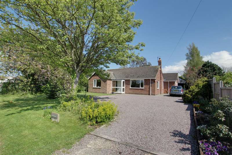 4 Bedrooms Detached Bungalow for sale in Main Road, Withern, Alford