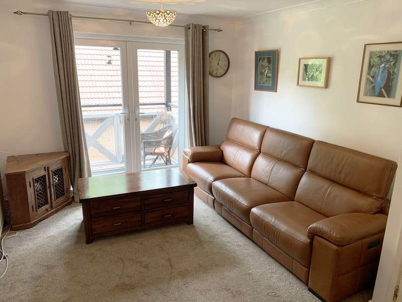 2 Bedrooms Flat for sale in Manor Drive, Manchester, Greater Manchester, M21
