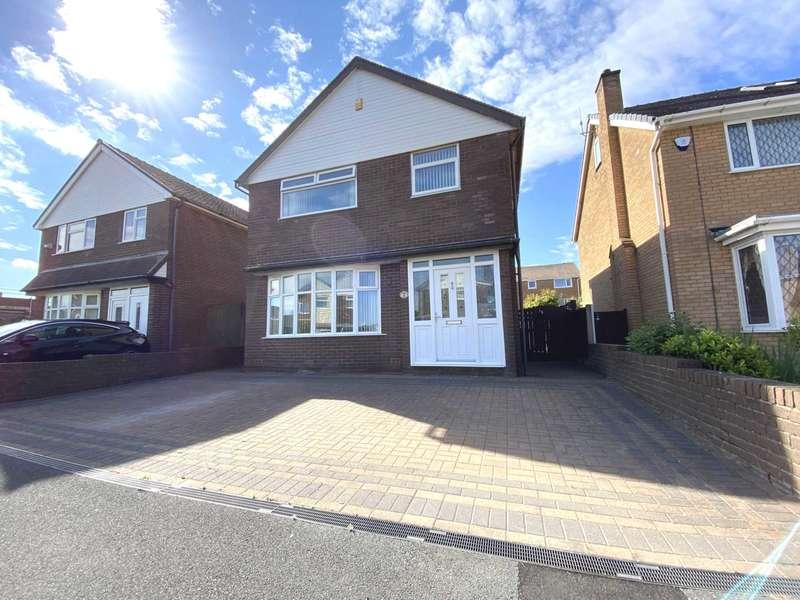 3 Bedrooms Detached House for sale in Kidbrooke Avenue, Blackpool, FY4 1QR