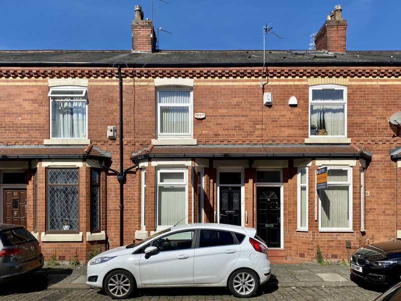 4 Bedrooms Terraced House for rent in Ventnor Street, Salford, M6