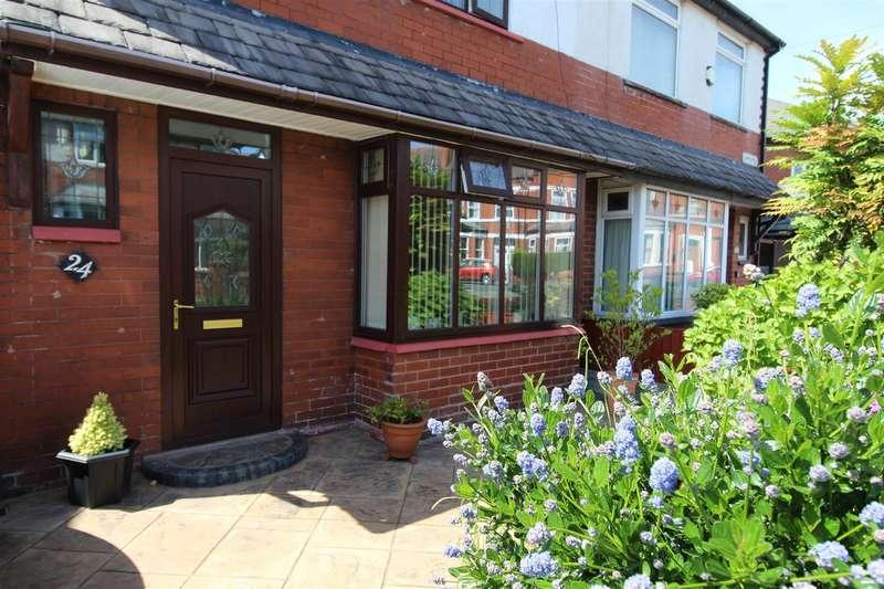 3 Bedrooms Semi Detached House for sale in Copperfield, Swinley, Wigan, WN1 2DZ