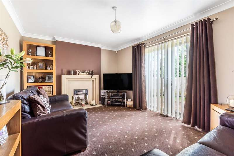 4 Bedrooms Detached House for sale in Pickley Court, Leigh, WN7 5HL