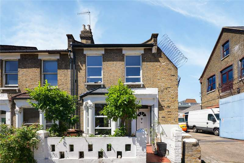 3 Bedrooms End Of Terrace House for sale in Chelmer Road, Hackney, London, E9