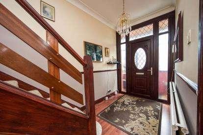 3 Bedrooms Semi Detached House for sale in Church Street, Edmonton, London, Church Street