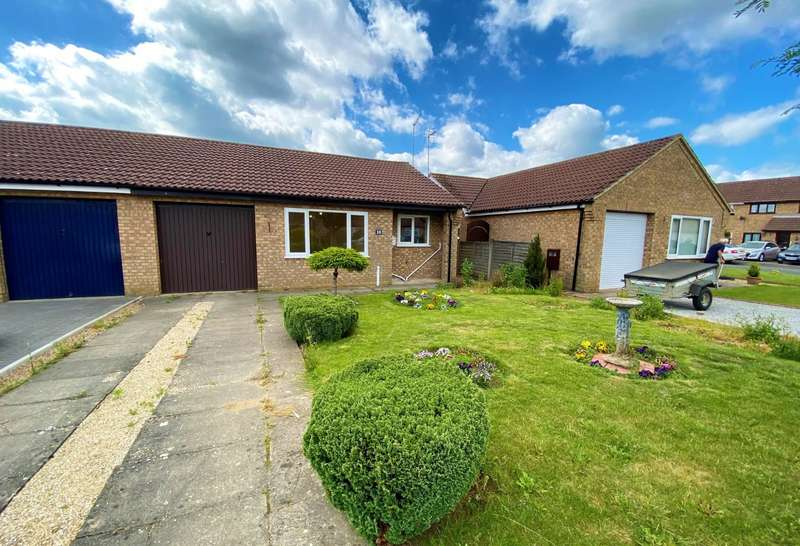 2 Bedrooms Semi Detached Bungalow for sale in Mayfield Close, Pinchbeck, Spalding