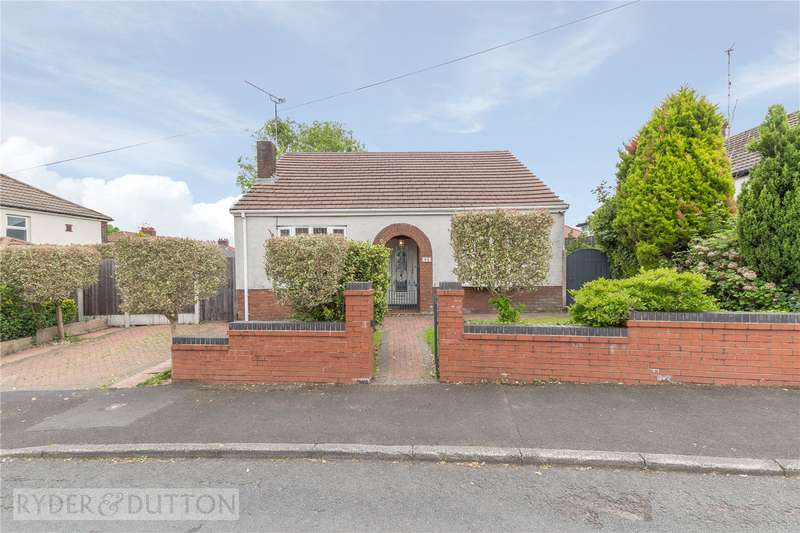 3 Bedrooms Detached Bungalow for sale in Crow Hill South, Alkrington, Middleton, Manchester, M24