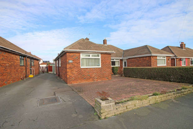 2 Bedrooms Bungalow for sale in Penswick Avenue, Thornton-Cleveleys, FY5