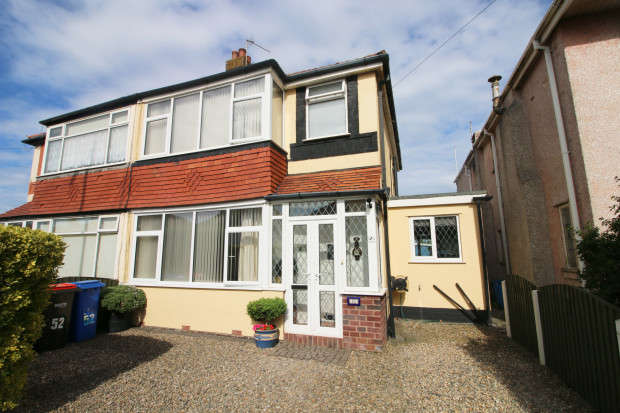 3 Bedrooms Semi Detached House for sale in Nutter Road, Thornton-Cleveleys, FY5