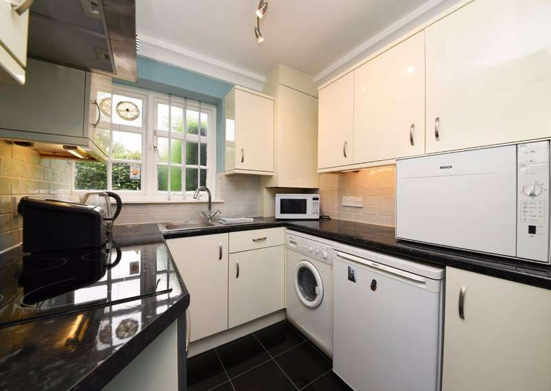 1 Bedroom Flat for sale in Midholm Close, Hampstead Garden Suburb, London, NW11