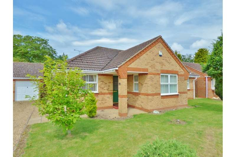 3 Bedrooms Bungalow for sale in Grocock Close, Moulton Seas End, Splading