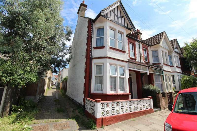 1 Bedroom Apartment Flat for sale in Westcliff on sea