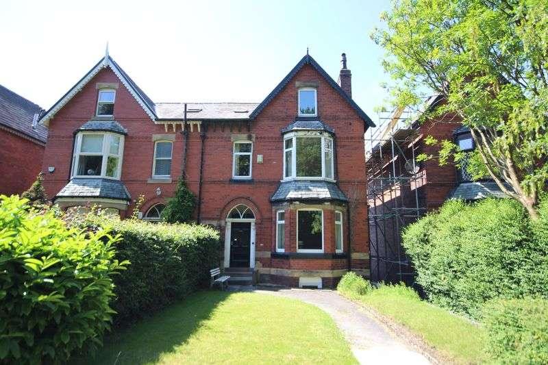 11 Bedrooms Property for sale in MANCHESTER ROAD, Castleton, Rochdale OL11 3EL
