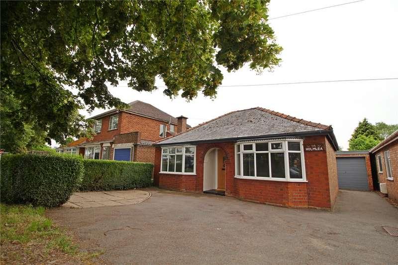 3 Bedrooms Detached Bungalow for sale in West Elloe Avenue, Spalding, PE11