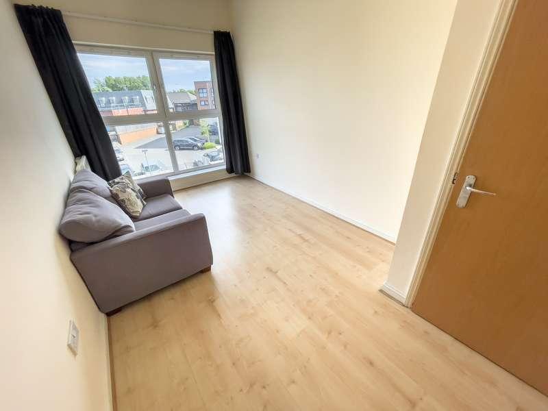 2 Bedrooms Flat for rent in Lowbridge Court, ,
