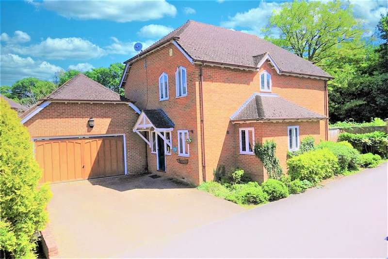 4 Bedrooms Detached House for sale in Farley Castle, Castle Hill, Farley Hill, Reading, RG7 1XD