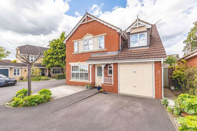 5 Bedrooms Detached House for sale in Hurworth Avenue, Langley, SL3 7FQ