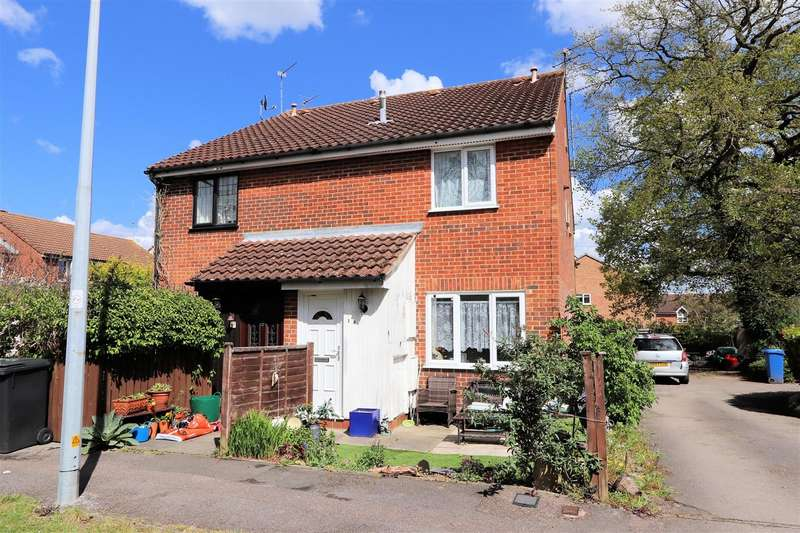 1 Bedroom Semi Detached House for sale in Hampden Close, North Weald, Epping