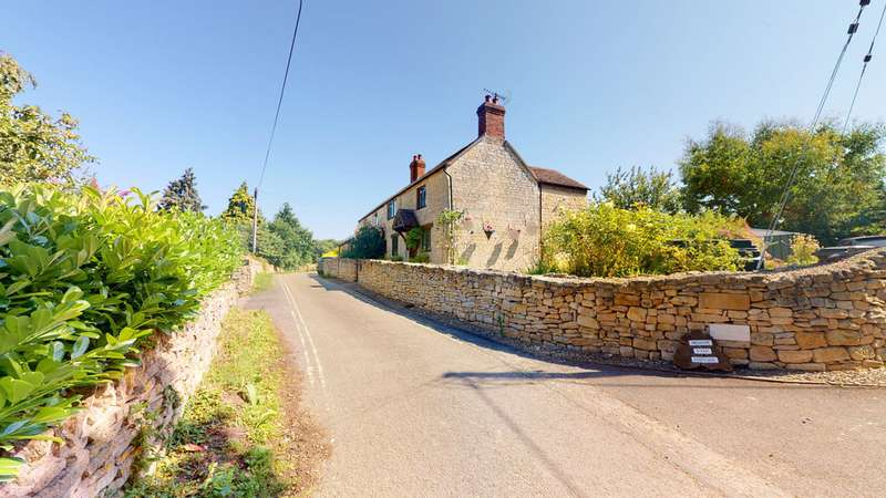 3 Bedrooms Property for sale in Mill End, Bredon GL20