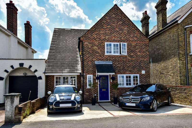 4 Bedrooms Detached House for sale in New Road, Langley, SL3