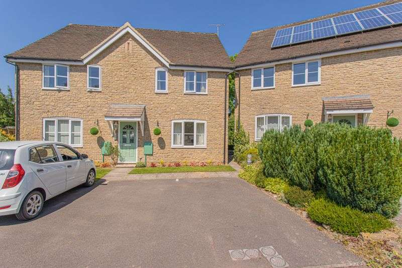 1 Bedroom Property for sale in Five Trees Close, Tetbury