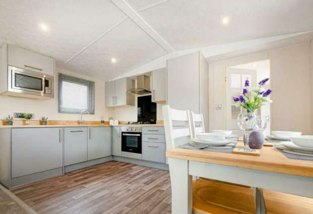 3 Bedrooms Lodge Character Property