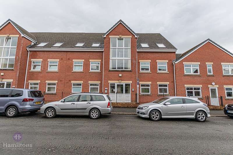 2 Bedrooms Flat for sale in Wilkinson Street, Leigh, Greater Manchester. WN7 4EY