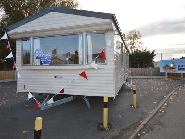 3 Bedrooms Caravan Mobile Home for sale in Steeple Bay, Steeple, Southminster