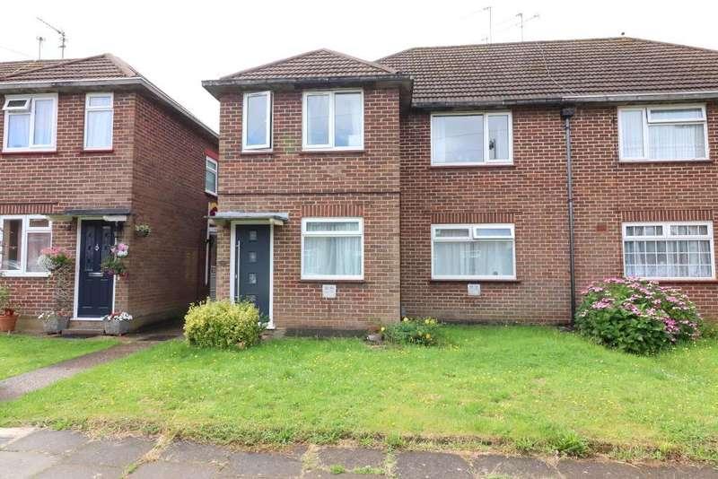 2 Bedrooms Maisonette Flat for sale in Mullion Close, Luton, Bedfordshire, LU2 7XF