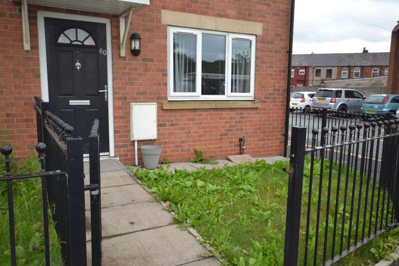3 Bedrooms Terraced House for rent in Warrington Road, Platt Bridge, Wigan, WN2 5JA