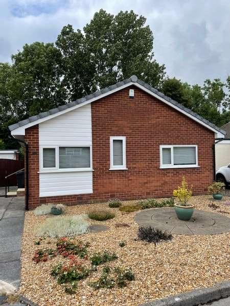 2 Bedrooms Bungalow for sale in Hill Road South, Preston, Lancashire, PR1