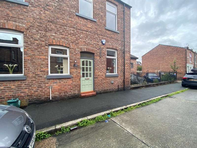 4 Bedrooms End Of Terrace House for rent in Meredith Street, Ladybarn, Manchester, M14