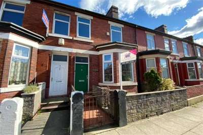 5 Bedrooms House Share for rent in Pembroke Street, M6 5GS