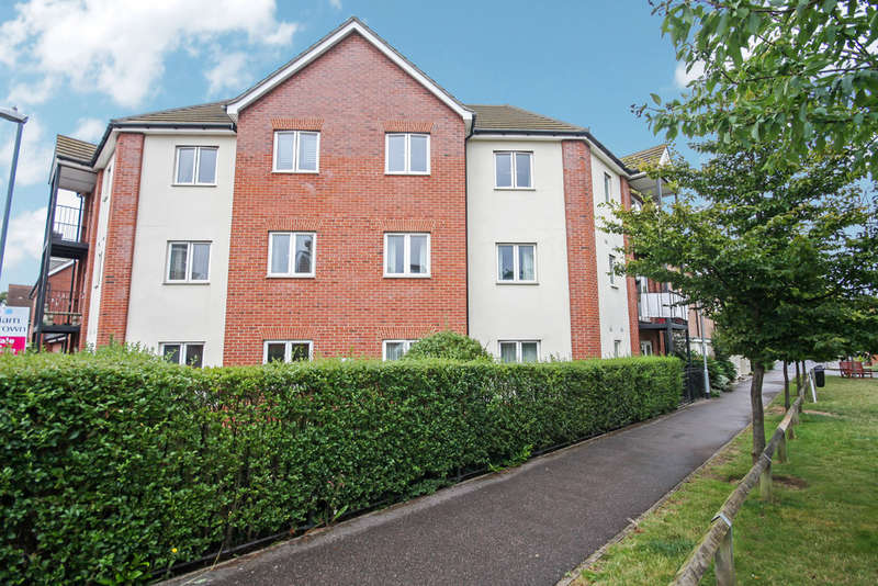 2 Bedrooms Flat for sale in Haygreen Road, Witham