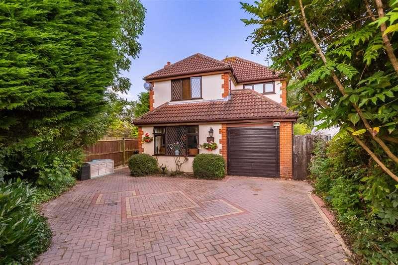 4 Bedrooms Detached House for sale in Bluemans End, North Weald
