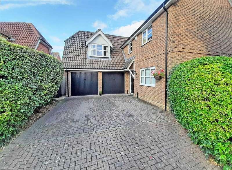 4 Bedrooms Detached House for sale in Framlingham Way, Great Notley, Braintree