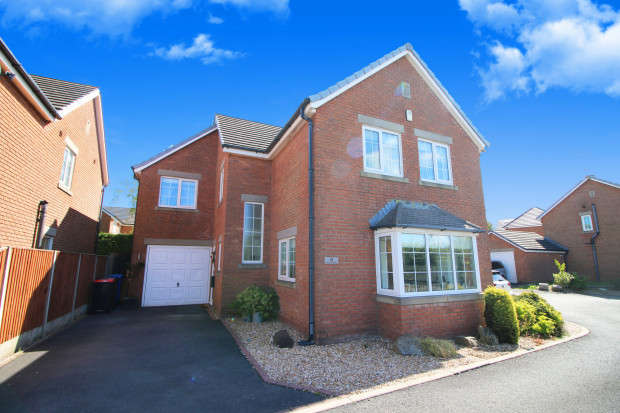4 Bedrooms Detached House for sale in Furlong Green, Thornton-Cleveleys, FY5