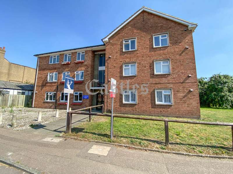 1 Bedroom Property for sale in Sewardstone Street, Waltham Abbey, Essex, EN9