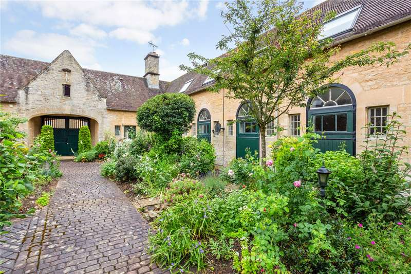 3 Bedrooms House for sale in Dower Court, Somerford Keynes, Cirencester, Gloucestershire, GL7