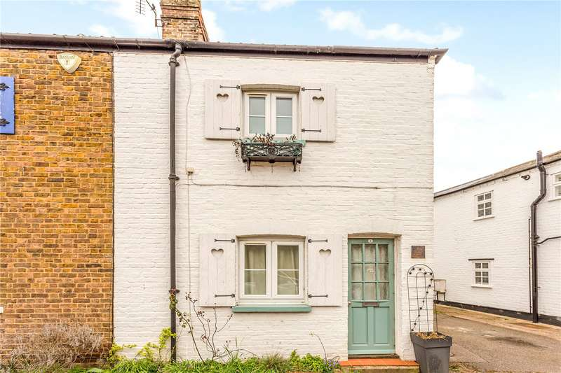 2 Bedrooms Mews House for sale in Elm Cottages, Holyport Street, Holyport, Maidenhead, SL6