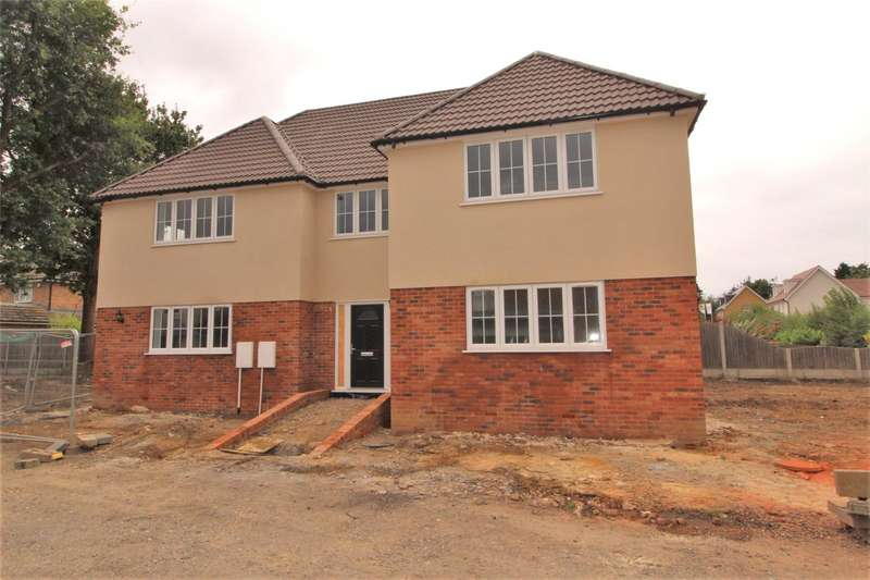 5 Bedrooms Detached House for sale in The Chase, Benfleet, SS7