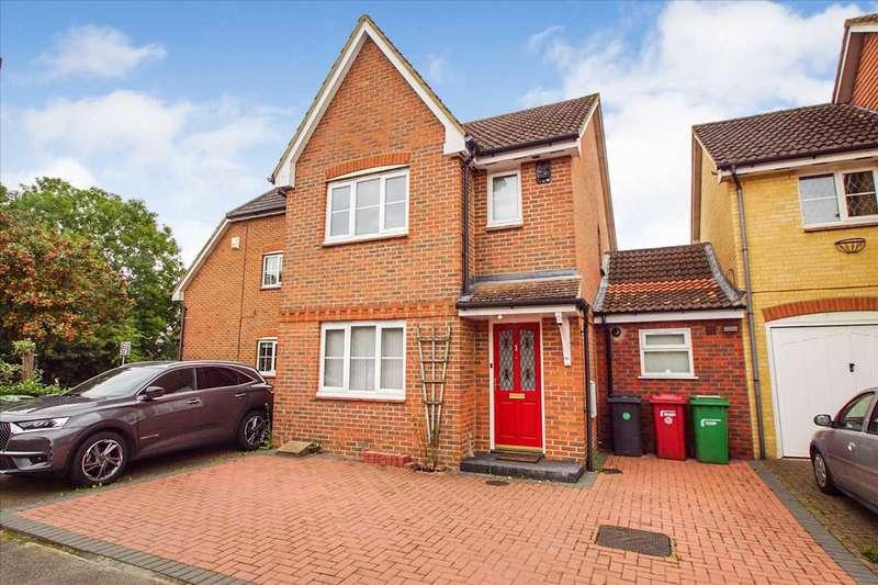 3 Bedrooms Detached House for sale in Moor Furlong, Cippenham, Slough