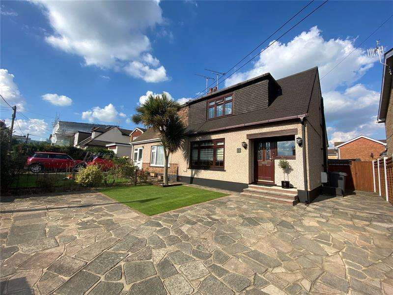 3 Bedrooms House for sale in Louise Road, Rayleigh, Essex, SS6