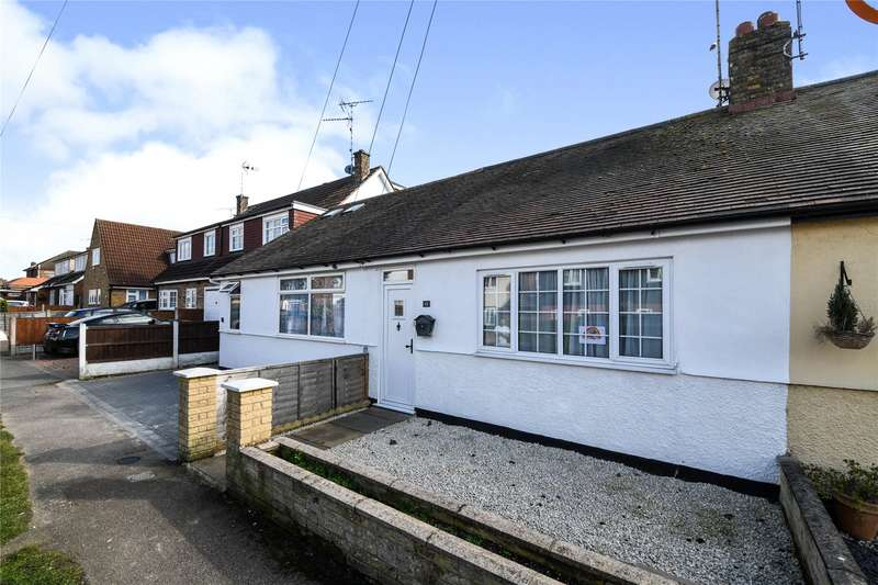 2 Bedrooms Terraced Bungalow for sale in Alpha Road, Hutton, Brentwood