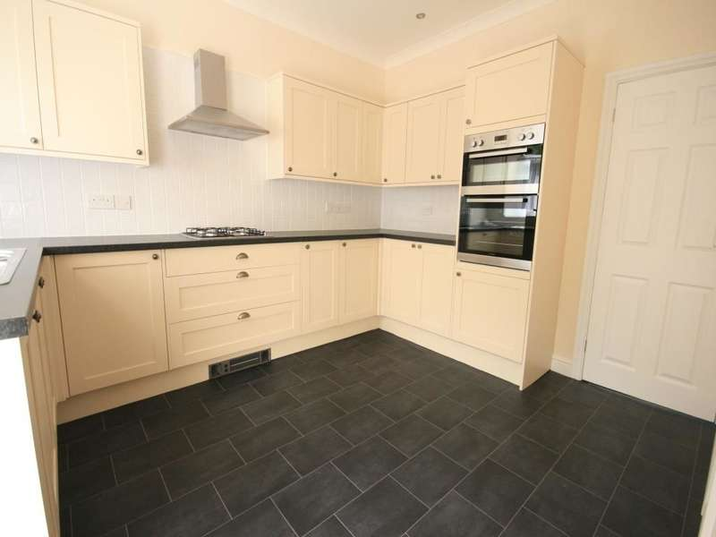 2 Bedrooms Property for rent in Bonfire Hill, Rossendale, BB4