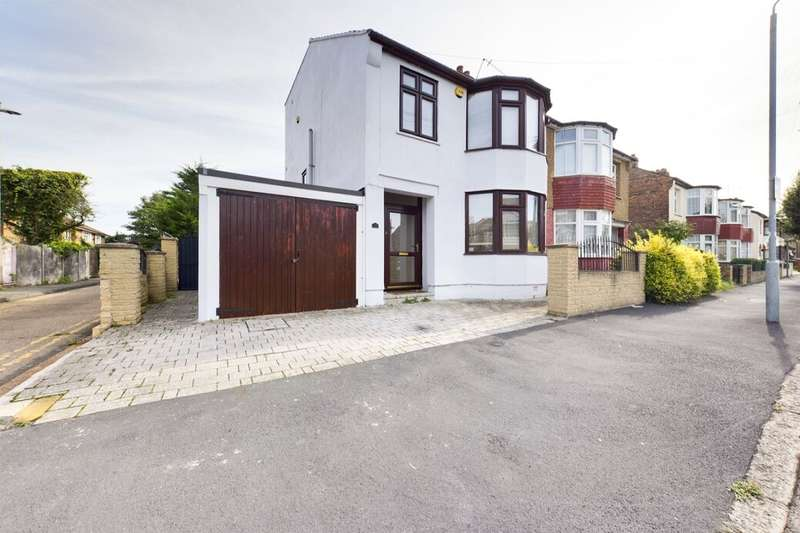 4 Bedrooms Semi Detached House for rent in Knighton Road, Romford, RM7