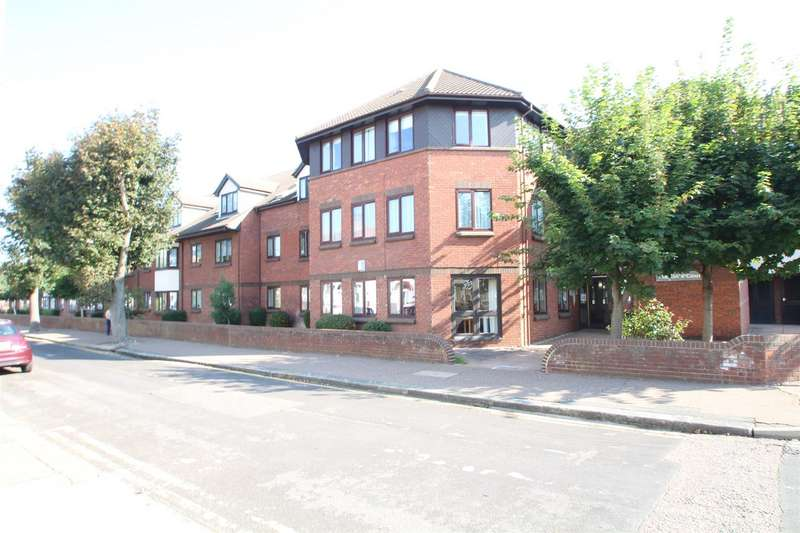 1 Bedroom Retirement Property for sale in Stadium Road, Southend-On-Sea