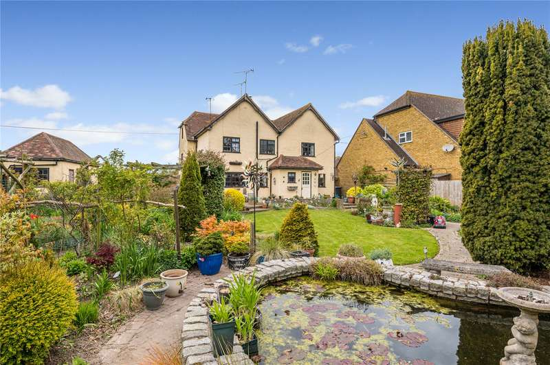 4 Bedrooms Detached House for sale in Ruckins Farm, Barling Magna, SS3